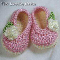 Free Crochet Baby Dress Patterns   Crochet pattern that looks like little ballet slippers!