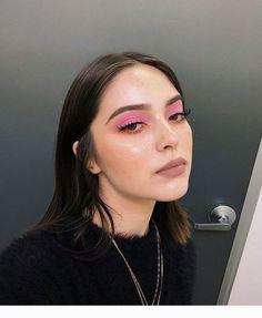 "Sweet pink eye makeup History of eye makeup ""Eye care"", put simply, ""eye make-up"" has Pink Eye Makeup, Cute Makeup, Pretty Makeup, Skin Makeup, Eyeshadow Makeup, Pink Eyeshadow, Eyeshadow Palette, Eyeliner, Makeup Looks"