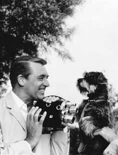 Cary Grant appears on Ken Murray's Hollywood Without Make-Up taking a camera and snapping pictures of a Terrier Old Hollywood Stars, Vintage Hollywood, Classic Hollywood, Cary Grant, Classic Movie Stars, Classic Movies, Iconic Movies, Old Movies, Photos Originales