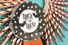 Halloween Wreath, Paper Straw Wreath, 16 inches, orange & black, Trick or Treat, Halloween Carnival on Etsy, $30.00