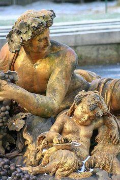 Dios Baco Chateau Versailles, Palace Of Versailles, Versailles Garden, Sculpture Art, Sculptures, Luis Xiv, Grand Parc, I Love Paris, Bacchus