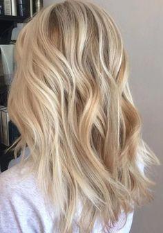 A few steps to a beautiful blonde balayage - .- Ein paar Schritte zu einem wunderschönen blonden Balayage – Haar – # … – Frisuren Modals 2019 A few steps to a beautiful blonde balayage – hair – # … – Hairstyles Modals 2019 - Balayage Blond, Hair Color Balayage, Blonde Color, Hair Highlights, Natural Blonde Hair With Highlights, Blond Hair Colors, Highlighted Blonde Hair, Blonde Balyage, Blonde Hair Shades