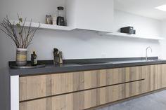 Keuken Gietvloer Marmer : Hoogglans geschilderde keuken i greeploosi marmer i bianco carrara