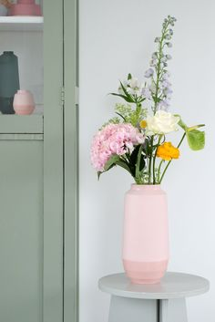 - Home - Decoratie Color Inspiration, Interior Inspiration, Flower Power, April Showers, Planting Flowers, Flower Arrangements, Wedding Venues, Bouquet, Bloom