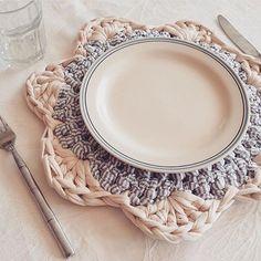 956 Likes, 17 Comments - Vanessa Eduardo ( on Crochet Kitchen, Crochet Home, Crochet Gifts, Knit Crochet, Crochet Motifs, Crochet Doilies, Crochet Flowers, Crochet Patterns, Crochet Planter Cover