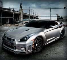 Nissan Gtr makes you want to cry!!