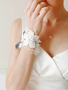 Wedding corsage, bridal lace corsage, bridal wristlet, bridal bracelet - style 403