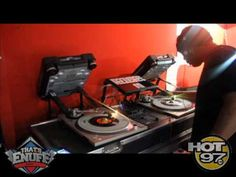 ▶ DJ SCRATCH Spinning On 45's - YouTube