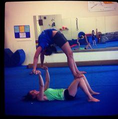 yoga poses for 2 easy Gymnastics Stunts, Gymnastics Tricks, Acrobatic Gymnastics, Cheer Stunts, Gymnastics Workout, Cheerleading, Yoga Poses For Two, Partner Yoga Poses, Acro Yoga Poses
