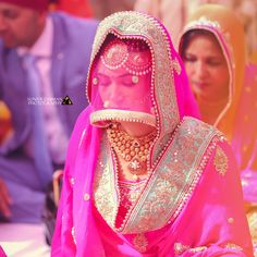 Planning to hire Best Indian Candid wedding photographers in Chandigarh and Punjab? SunnyDhiman provides you best professional wedding photography in Chandigarh and Punjab. Indian Bridal Lehenga, Indian Bridal Outfits, Indian Bridal Makeup, Bridal Makeup Looks, Bridal Looks, Sikh Bride, Punjabi Bride, Punjabi Girls, Punjabi Wedding