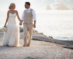 stylish destination beach wedding groom's attire_  tan vest light pink tie _Alec-T-Photography