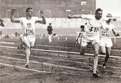 Harold Abrahams, the famed English athlete, winning the mens' 100M in the Paris #Olympics in 1924. Ben Cross played him wonderfully in #ChariotsofFire