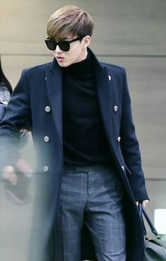 Joonmyun looks so hot here