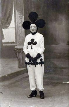 20 Incredibly Bizarre Vintage Halloween Costumes