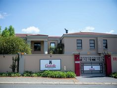 Castello Guest House - Castello Guest House offers luxurious accommodation situated in FichardtPark, easily accessible from the N1 and close to various shopping centres. There are 11 guest rooms available that are serviced daily. ... #weekendgetaways #bloemfontein #southafrica