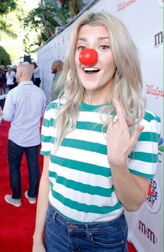 Grace Helbig, Youtubers, Crushes, Gay, Style, Fashion, Swag, Moda, Fashion Styles