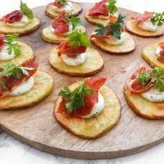 Gourmet Recipes, Appetizer Recipes, Cooking Recipes, Tapas Dishes, Good Food, Yummy Food, Savory Snacks, Recipes From Heaven, Croissants