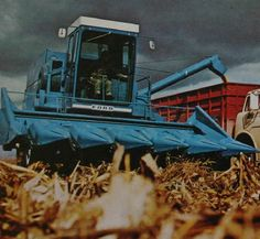 International Harvester 815 Combine | Ford Combines by Claas
