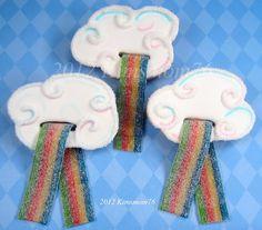 Cloud and rainbow cookie