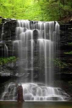 ✯ Weeping Wilderness Waterfall