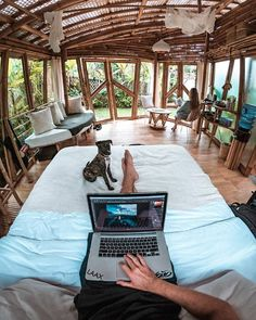 Looks like the best place for working beautiful bamboo house Photo Permaculture, Childrens Day Quotes, Bali, Nomad Hotel, Bamboo House, Camping Life, Auto Camping, Study Motivation, Dream Rooms