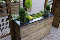 Bac à fleurs rectangulaire en sapin et acier 45x120xH.76 cm SELEKT - Tek Import: www.tekimport.fr #jardin d'hiver