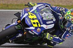 Rossi verrast Spaanse rivalen en pakt pole in Jerez