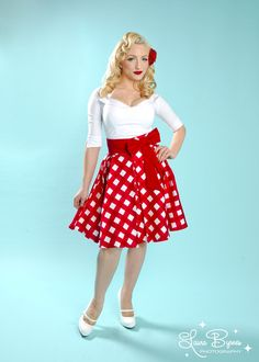 Pinup Couture Audrey Skirt in Red Picnic Print and Red Sash Bow