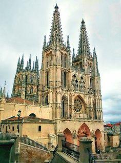Catedral de Burgos. Vista de la fachada de Santa María.