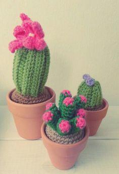 ♡ Crochet Cactus, Love Crochet, Crochet Doll Pattern, Crochet Patterns Amigurumi, Felt Flowers, Crochet Flowers, Cactus Craft, Crochet Home Decor, Sewing Box