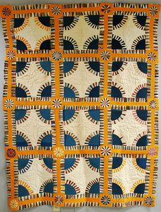 """Pieced cotton """"New York Beauty"""" variant quilt, late century ref: skinner auctions Old Quilts, Antique Quilts, Scrappy Quilts, Vintage Quilts, Primitive Quilts, Quilting Projects, Quilting Designs, New York Beauty, Quilt Modernen"""
