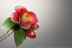 tsubaki camellia kanzashi by sakae  皆様、あけましておめでとうございます本年もどうぞよろしくお願いいたしますPhotobyRYOUKANABE今年も自画自賛王で恐縮ですが本当にかわいいです♪...