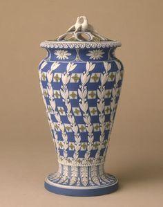 Three-colour jasper pot-pourri vase - Lady Lever Art Gallery, Liverpool museums
