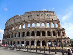 Tal y como escribió Silvio Negro, Roma non basta una vita. Sus calles, sus plazas, sus colinas… a cada paso algo con lo que maravillarse, sean ruinas o una perfecta mezcla arquitectónica entre lo antiguo y lo moderno. Cuando uno se marcha, queda esa sensación de dejarse tanto por ver… Si, como yo, no tienes …¿Te ha gustado? ¡Compártelo!