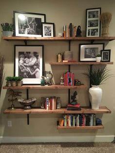 Shelves with B/W pics Home Office Decor, Home Decor Wall Art, Home Decor Furniture, Diy Home Decor, Home Living Room, Living Room Designs, Living Room Decor, Bedroom Decor, Interior Decorating
