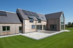 Gleneagels Eco House timber cladding – SIPS Self build AC Architects www.biz – Home decoration ideas and garde ideas Cedar Cladding, House Cladding, Sip House, Self Build Houses, Energy Efficient Homes, Best Solar Panels, Eco Friendly House, Prefab Homes, Sustainable Architecture