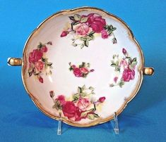 And Gilded Accents. A Pedestal Bowl With Handles. Hand Painted With Roses. Made In Japan By Old Gold. To Canada Australia And Japan. Compote With Scalloped Edges. Hand Painted, Painted Roses, China Dinnerware, Pedestal, Red Roses, Art Decor, Decorative Plates, Porcelain, Handle