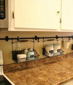 Оригинальные и современные идеи правильного хранения, которые помогут навести порядок на кухне.Всем известно, что в кухне достаточно места (особенно в наших реалиях) не бывает никогда. Чтобы совладать с бесчисленными кастрюльками, мисками, нужно правильно организовать место для их хранения. Эти 15 идей для рационального хранения вещей на кухне помогут справиться с беспорядком и повысить себе настроение.1. …