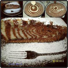A pose of a zebra cake Torte Recepti, Kolaci I Torte, Posne Torte, Cake Recipes, Dessert Recipes, Dessert Ideas, Birthday Cakes For Teens, Teen Birthday, Cheesecake Cupcakes