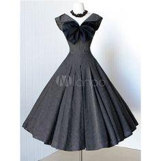 Robe vintage noire rétro avec rayure plissée revers embelli noeud... via Polyvore featuring rayure