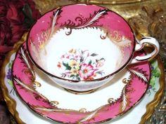 PARAGON England HOT PINK & GOLD FLORAL CENTER TEA Cup and Saucer