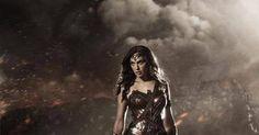 Wonder Woman, ecco il nuovo abito https://www.facebook.com/passaladritta/posts/265433173660221