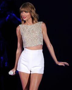 2014 American Music Award Winners: Taylor Swift, 1D & More %u2014 Full�List