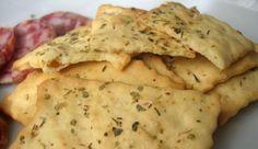 Facilísimas crackers de romero y ajo, aptas para celíacos, libres de conservantes y aditivos