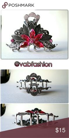 """ANTIQUED SILVER AND PINK CLAW CLIP! Antiqued metal claw clip with pink jewels. 3"""" long by 1.75"""" tall vabfashion Accessories Hair Accessories"""