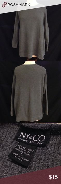 NY& Co. Comfy Loose Fit Box Weave Sweater Bust 48 Length 26. This sweater is in excellent condition. It is medium weight but very warm. no rips, stains or holes. New York & Company Sweaters