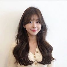 Curly Asian Hair, Curly Hair Styles, Permed Hairstyles, Hairstyles With Bangs, Brunette Beauty, Hair Beauty, Korean Bangs Hairstyle, Hair Inspo, Hair Inspiration