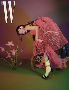 StyleKorea: Photo - StyleKorea — Sulli for W Korea October Photographed by… - Sulli, Editorial Photography, Portrait Photography, Fashion Photography, Fashion Mag, Editorial Fashion, Magazin Covers, Photoshoot Concept, Vogue Korea
