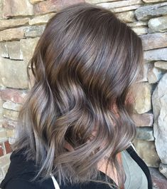 Look no further! Mushroom brown hair color is perfect for those who like ashy tones. Try mushroom brown balayage, ombre or different types of highlights. Brown Hair With Grey Ombre, Ash Ombre Hair, Warm Brown Hair, Brown Hair Balayage, Brown Blonde Hair, Ombre Hair Color, Light Brown Hair, Brown Hair Colors, Hair Highlights