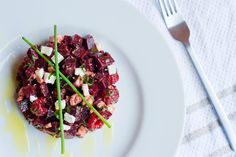Beetroot, Feta and. Raspberry Salad - Home Sweet Sweden Raspberry Salad, Cabbage Salad Recipes, Fresh Chives, Fresh Mint, Beetroot, Salad Dressing, Food Videos, Feta, Sweden